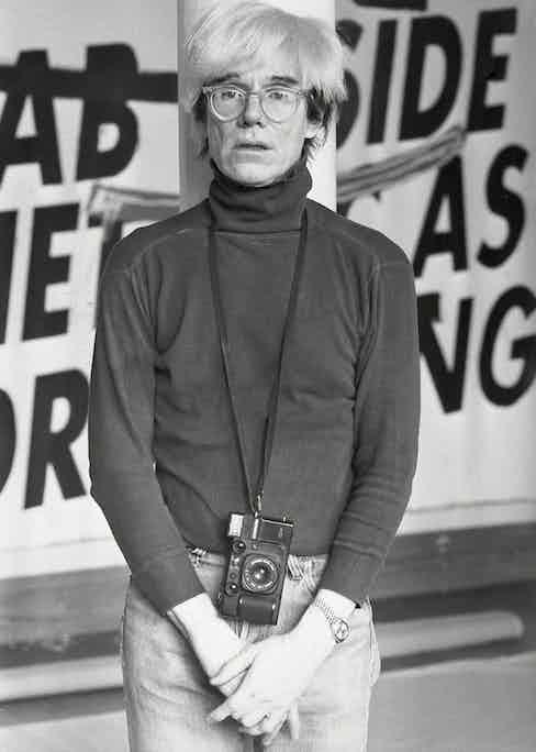 Warhol's signature look: simplicity at its most stylish.