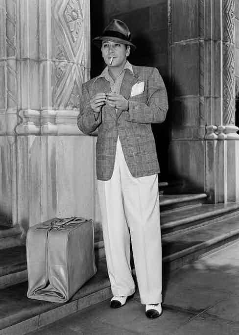 George Raft outside the Wilshire Boulevard Temple in Los Angeles, circa 1940. Photograph by Getty Images.