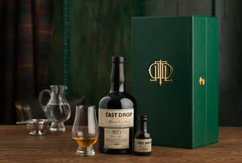 The Last Drop Distillers' 1971 Blended Scotch Whisky.