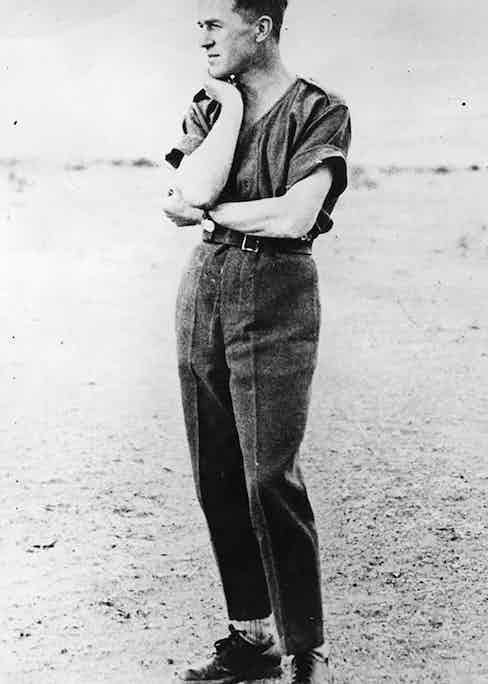 Although most images of Lawrence are of his in traditional Arab dress, he clearly knew how to through together an effortlessly stylish western ensemble.