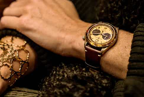 Eleanor wears the 'El Mirage' Bellytanker Chronograph, a special collaboration between Bell & Ross and The Rake.