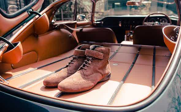 Piloti - a stylish driving force