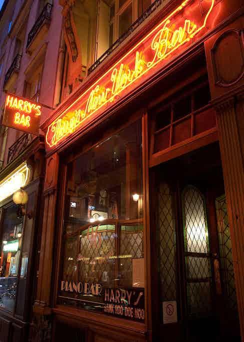 Harry's New York Bar.