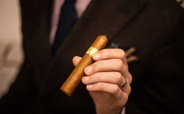 Cigar of The Week: Media Luna