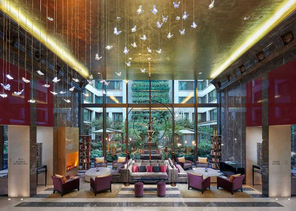 The lobby of the Mandarin Oriental Paris.