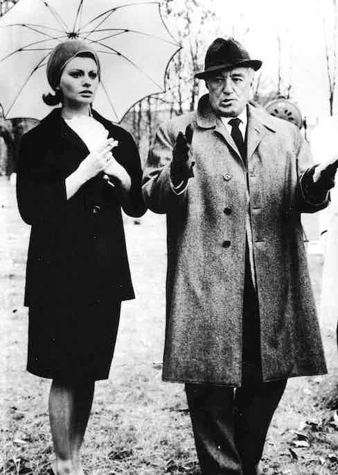 Directing Sophia Loren in 1962. (Photo courtesy of Rex Features).
