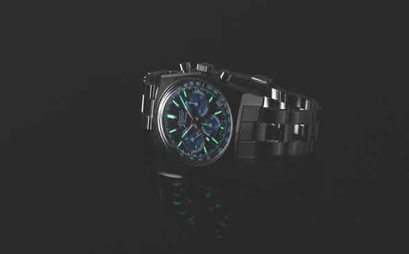"""INTRODUCING THE ZENITH X REVOLUTION X THE RAKE CHRONOMASTER REVIVAL REF. A3818 """"COVER GIRL"""""""
