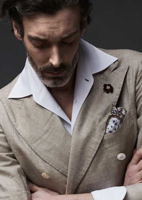 Sand hopsack linen and VBC silk double-breasted jacket, shirt and silk pocket square, G. Inglese. Photograph by Olivier Barjolle.