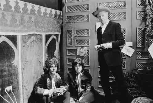 Left to right: James Fox, Mick Jagger and photographer Cecil Beaton on the set of the crime drama 'Performance', London, 2nd November 1968 (Photo by David Cairns/Daily Express/Hulton Archive/Getty Images)