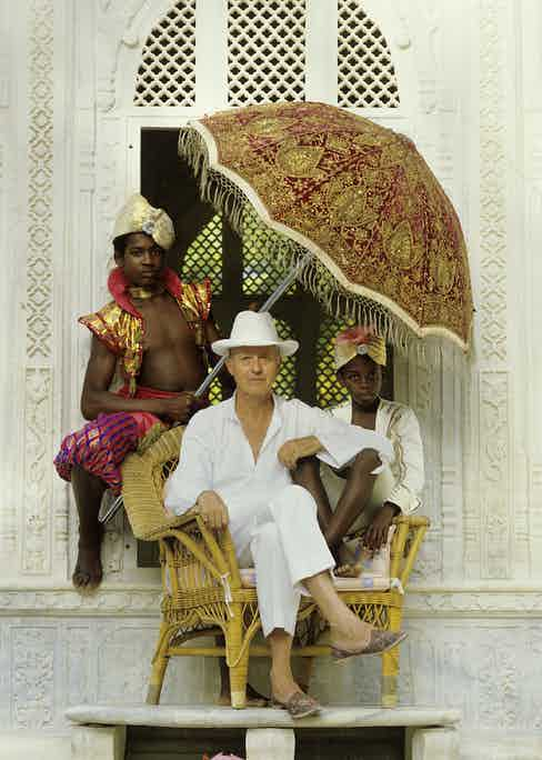 Lord Glenconner at his home on Mustique, 1985. (Photo by Lichfield/Getty Images)