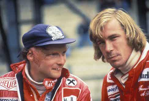 Niki Lauda talks to rival James Hunt  (Photo by Grand Prix Photo/Getty Images)