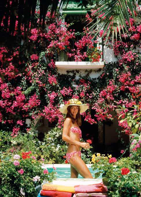 Valerie Cates in Marbella, Spain, 1976. (Photo by Slim Aarons/Hulton Archive/Getty Images)