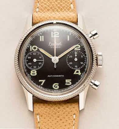 An instance of the Hanhart 417 ES, made between 1956 and 1958. Only 500 pieces with the designation ES for Stainless Steel (Image shucktheoyster.com)