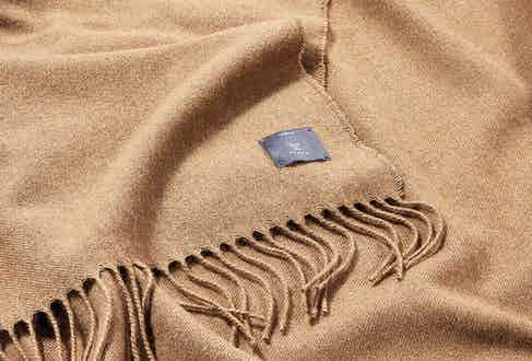 Tengri use natural methods such as brushing the fabric with wild harvested thistle-like teasel plants, and gentle steaming, to finish cloths. This produces beautiful lustre and drape to their clothing, and a distinguished soft handle throughout their range of clothes, throws, blankets and accessories