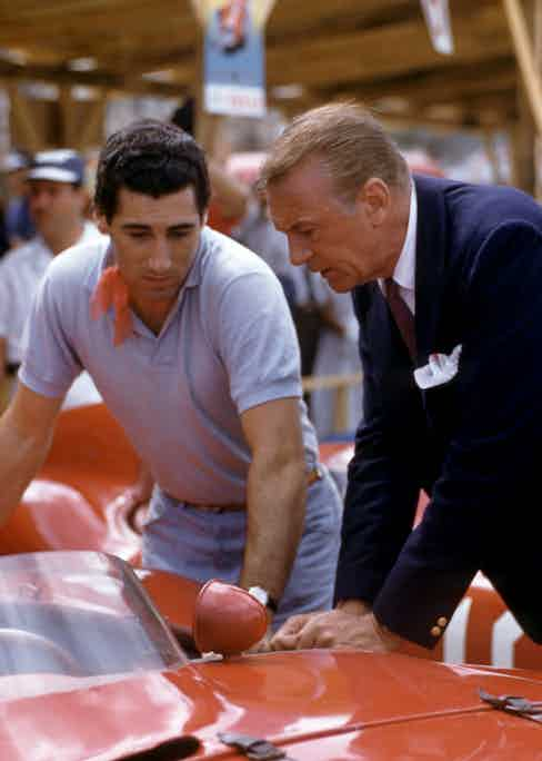 Talking with the actor Gary Cooper before the Cuban Grand Prix in Havana, 1957 (Photo courtesy of Getty Images)