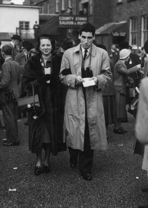 Marquis de Portago with his wife, Carroll McDaniel, at Aintree races in Liverpool, 1950. (Photo courtesy of Getty Images)