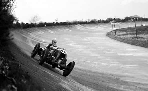A history of gentleman racers