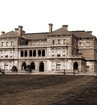 The Vanderbilt residence in Rhode Island, 1904