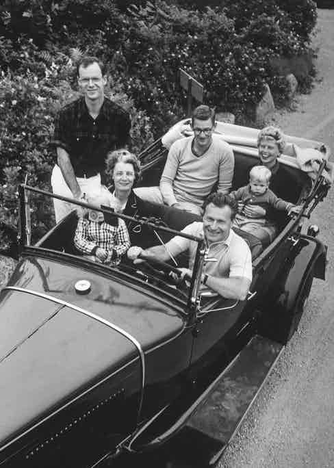 Nelson Rockefeller with his granddaughter Meile, his wife, Tod, his son Steve, Steve's wife, Barbara, and their son Peter, 1958  (Photo by Alfred Eisenstaedt/Pix Inc./The LIFE Picture Collection/Getty Images)