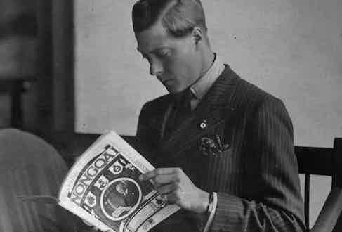 Edward, Prince of Wales (1894 - 1972)  on tour in the Union of South Africa, reading the magazine 'Nongoa'. (Photo by Alan Yates/Hulton Archive/Getty Images)