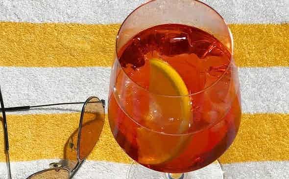 Bubbling with Brightness: The Aperol Spritz