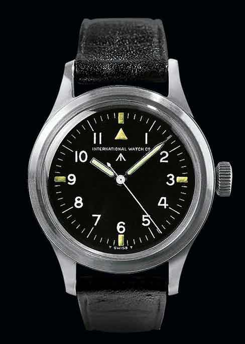 First introduced in 1948, the Mark XI had a triangle added to the dial in place of the 12 in 1952.