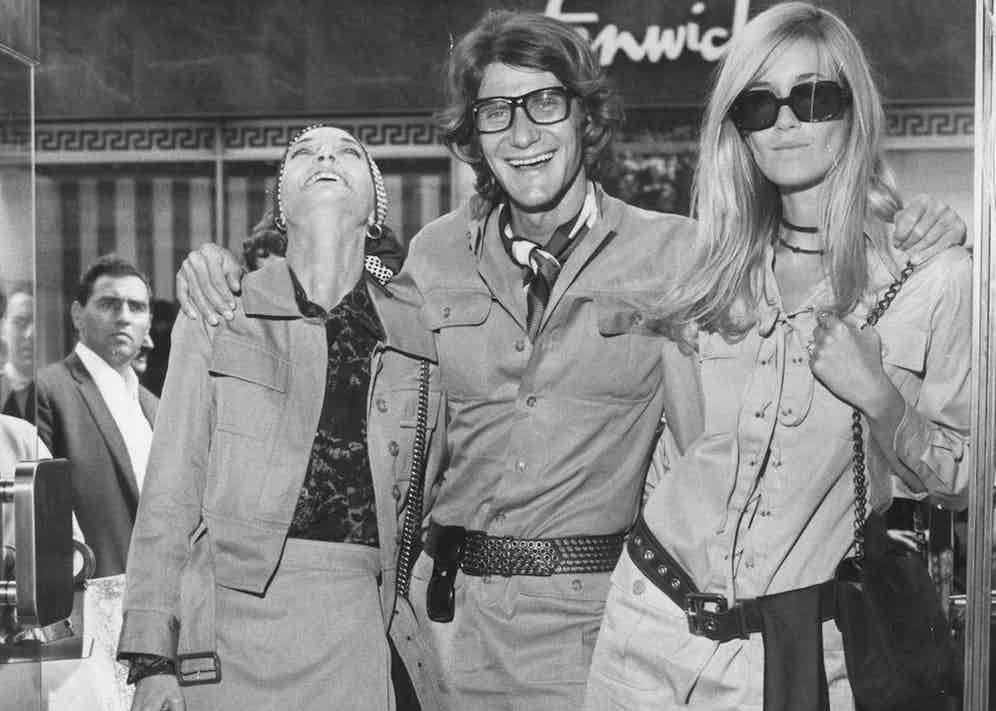 Yves Saint Laurent opens his Bond Street store with Loulou de la Falaise and Betty Catroux in 1969 (Photo by John Minihan/Evening Standard/Getty Images)