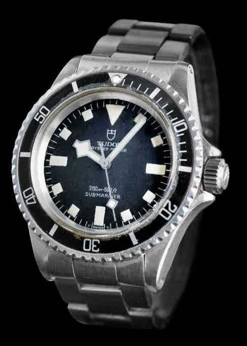 The ref. 7016 Submariner with unique square markers and 'Snowflake' hands