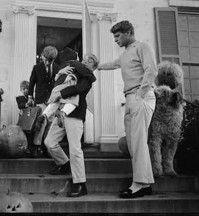 Robert F. Kennedy with his children  (Photo by Bill Eppridge/The LIFE Picture Collection/Getty Images)