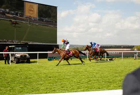 Lady Bowthorpe winning the The Qatar Nassau Stakes