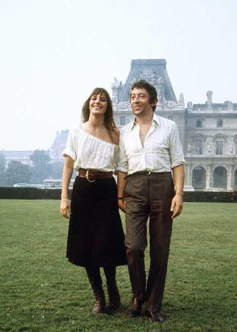 Serge Gainsbourg and Jane Birkin in Paris (Photo RALPH GATTI/AFP/Getty Images)