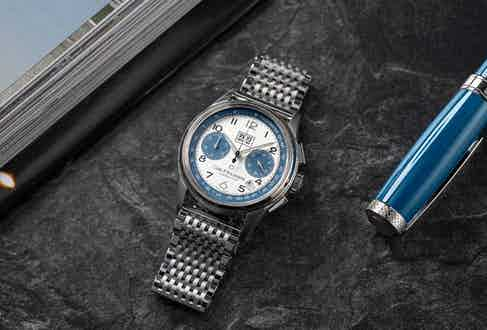 The Heritage BiCompax Annual Lucerne pays homage to Jörg G. Bucherer's passion for the family car that returned to his life after so many years, and, of course, to his hometown of Lucerne. (Image: Revolution)