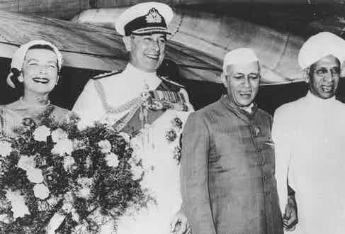With the Vicereine and Viceroy Mountbatten, 1956 (Photo by Keystone/Getty Images)