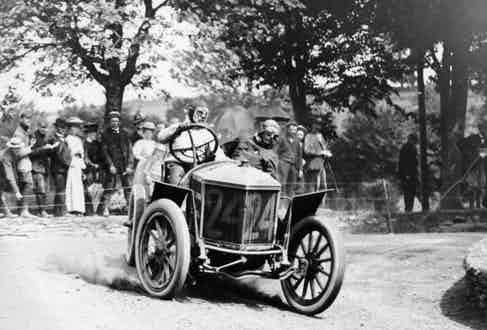 Algernon Guinness driving a Minerva in the Circuit des Ardennes, 1907 (Photo by National Motor Museum/Heritage Images/Getty Images)