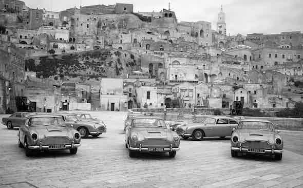 When Leica met Bond