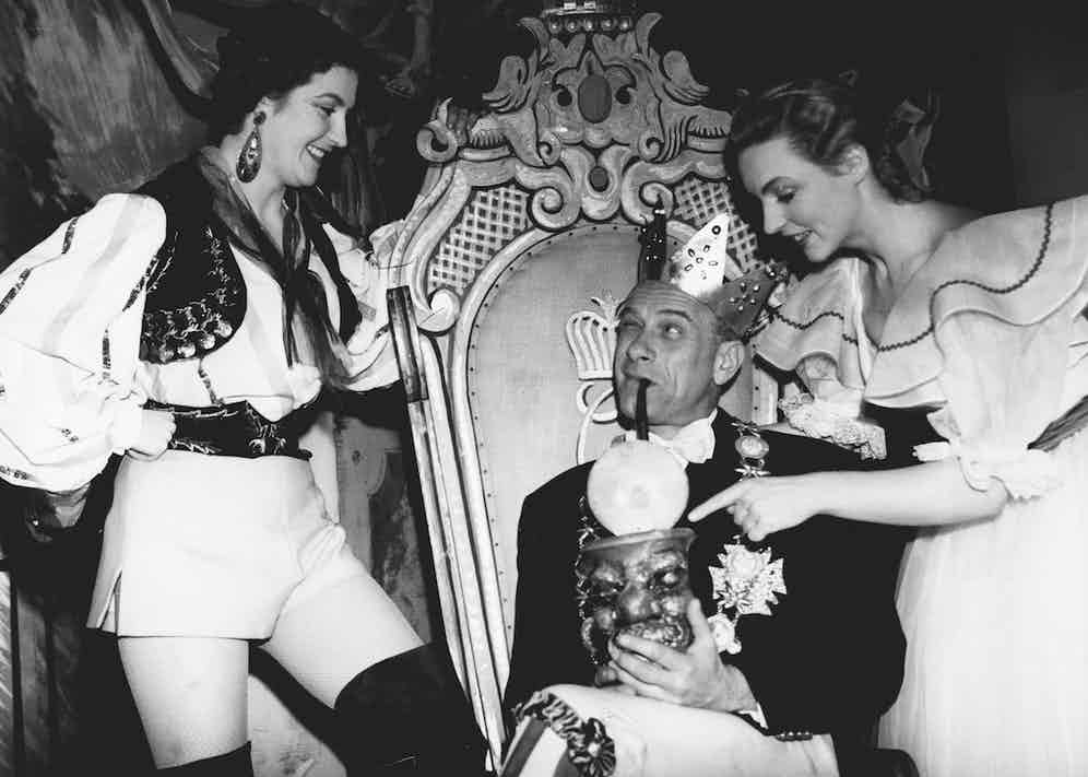 Vic Oliver with Margaret Mitchell and Margot Anderson at the Manchester Palace Theatre in 1951 (Photo by ANL/REX/Shutterstock (2296989a)