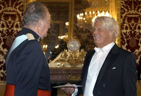 Bruno Delaye in conversation with King Juan Carlos at the Royal Palace in Madrid in 2007 (Photo by Manuel H. De Leon/EPA/REX/Shutterstock (8026144a)